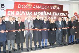 Bakan Pekcan Van Mobilya Fuarı'nın açılışını gerçekleştirdi