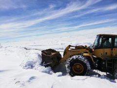 Başkale'de karla mücadele çalışmaları devam ediyor