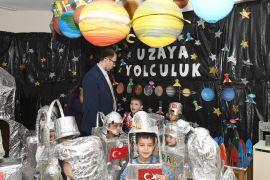 Çocuklar uzaya gitmeden astronot oldu