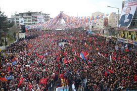 """Cumhurbaşkanı Erdoğan: """"13-14-15 yaşındaki kızlarımızı Kandil'e kaçıranlar bunlar değil mi?"""""""