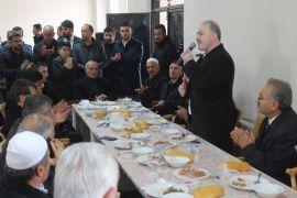 Tuşba Belediye Başkanı Özgökçe, mevlit programına katıldı