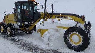 Van'da 57 yerleşim yerinde karla mücadele devam ediyor