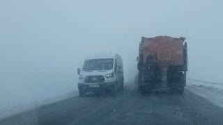 Van'da kar ve tipi Bahçesaray yolunu ulaşıma kapattı