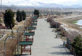 Van'daki parklar kent mobilyalarıyla donatıldı