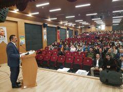 """Tuşba'da """"Öğrenme Yolculuğunda Başarı Rehberi"""" Semineri düzenlendi"""
