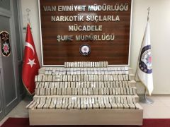 Van'da koliler içerisinde 62 kilo eroin ele geçirildi