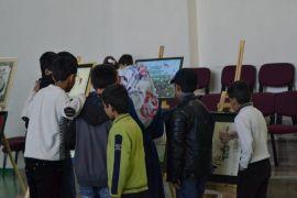 Çocuklar hat ve kaligrafi sergisini gezdi