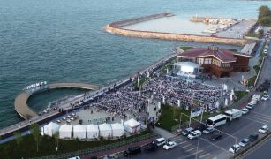 Edremit'te Abdurrahman Önül konseri