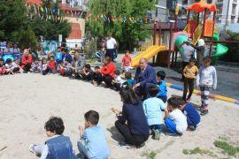 Minik öğrenciler açık havada doyasıya eğlendi
