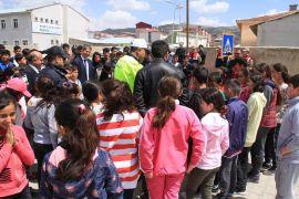 Muradiye'de 'Öncelik Hayatın, Öncelik Yayanın' programı
