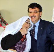 Türkmenoğlu'ndan Anneler Günü mesajı