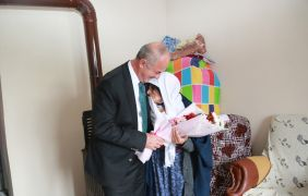 Tuşba Belediye Başkanı Akman'ın 'Anneler günü' mesajı