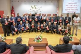 Vanlı Kıbrıs gazilerine madalya ve berat