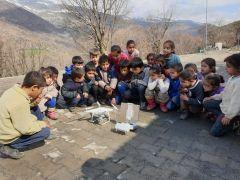 İlk defa drone gören masum çocuklar