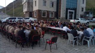 Kaymakamlık ve belediye başkanlığında güvenlik görevlilerine iftar