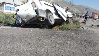 Minibüs şarampole devrildi: 1 ölü
