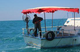 Vanlı balıkçılar 'vira bismillah' dedi