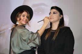 İranlı kadın kuaförlere eğitim