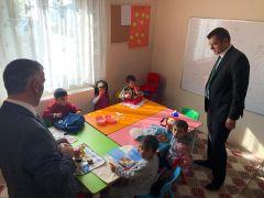 Kaymakam Aydın, minik öğrencileri ziyaret etti