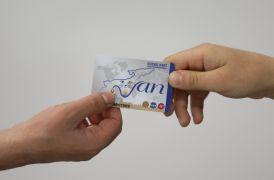 """Van Büyükşehir """"sosyal kart"""" dağıtımına başladı"""
