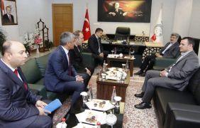 Van Valisi ve Büyükşehir Belediyesi Başkan Vekili Mehmet Emin Bilmez'den Erciş'e ziyaret