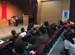 Tuşba Belediyesinden lösemili çocuklar yararına tiyatro gösterisi