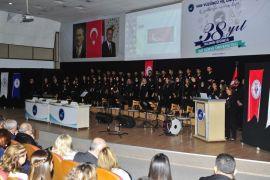 Van YYÜ'de Öğretmenler Günü kutlandı