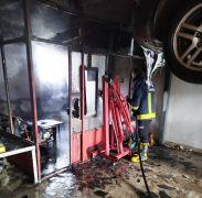 Van oto sanayi sitesinde işyeri yangını