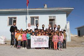 Genç Yeryüzü Doktorları Kulübü gönüllüleri Gürpınar'da