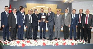 TOBB Başkanı Hisarcıklıoğlu İstihdamın Yıldızları Ödül Törenine katıldı