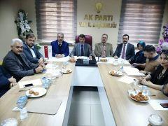 Türkmenoğlu'ndan görevi bırakan ilçe başkanlarına teşekkür