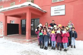 Başkaleli öğrencilerden Kütahya'daki 'Kardeş Okula' sevgi mektubu