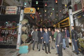Başkan Vekili Aslan Kültür Sokak'taki esnafla buluştu