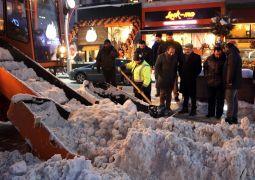 Vali Bilmez, karla mücadele ordusunu yalnız bırakmadı