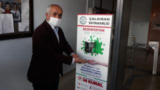 Çaldıran Belediyesinden sensörlü dezenfektan hizmeti