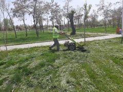 Kısıtlamada park ve bahçe çalışmaları sürüyor