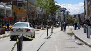 Van'ın işlek caddeleri yeniden trafiğe açıldı