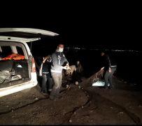 Van Gölü'nde 2 ton kaçak inci kefali ele geçirildi