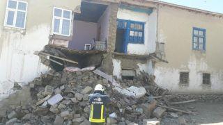 Depremin vurduğu mahallelerde hasar tespit çalışması