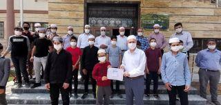 Kur'an kursu öğrencilerinden anlamlı destek