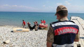 Van Gölü'nden biri 7, diğeri 15 yaşlarında 2 çocuk cesedi daha çıkarıldı