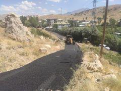 Tuşba Belediyesi'nden en ücra sokağa bile sıcak asfalt