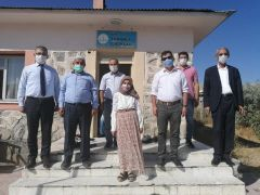 AK Parti'li Başdinç'ten fedakar öğretmene ziyaret