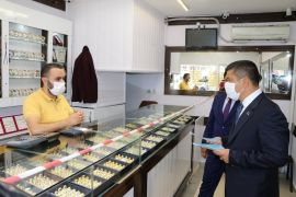 Erciş Kaymakamı Mehmetbeyoğlu korona virüs denetimlerine katıldı