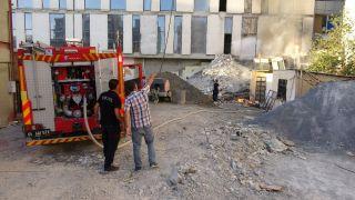 Korkutan yangın itfaiye ekiplerinin müdahalesiyle söndürüldü
