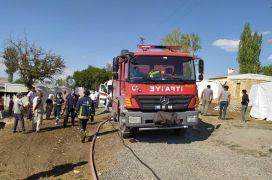 Van'da 2 bin 500 bağ ot yandı