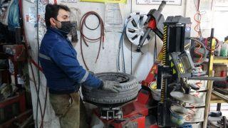 Çetin kış şartlarına sahip Van'da 'kış lastiği uygulaması' başladı