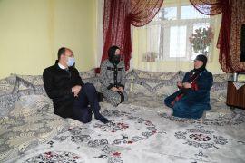 Kaymakam Solak'tan 82 yaşındaki kadına anlamlı ziyaret