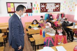 Kaymakam Türkman'dan okul ziyareti