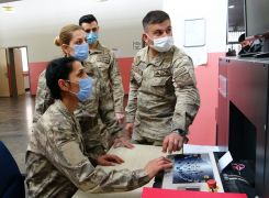 (Özel) Kahraman güvenlik korucusu kadınlar görev başında